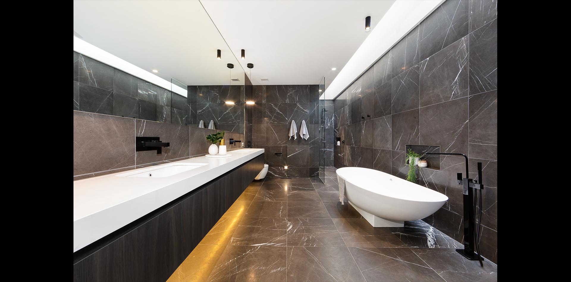 2A Roslyn St - bathroom