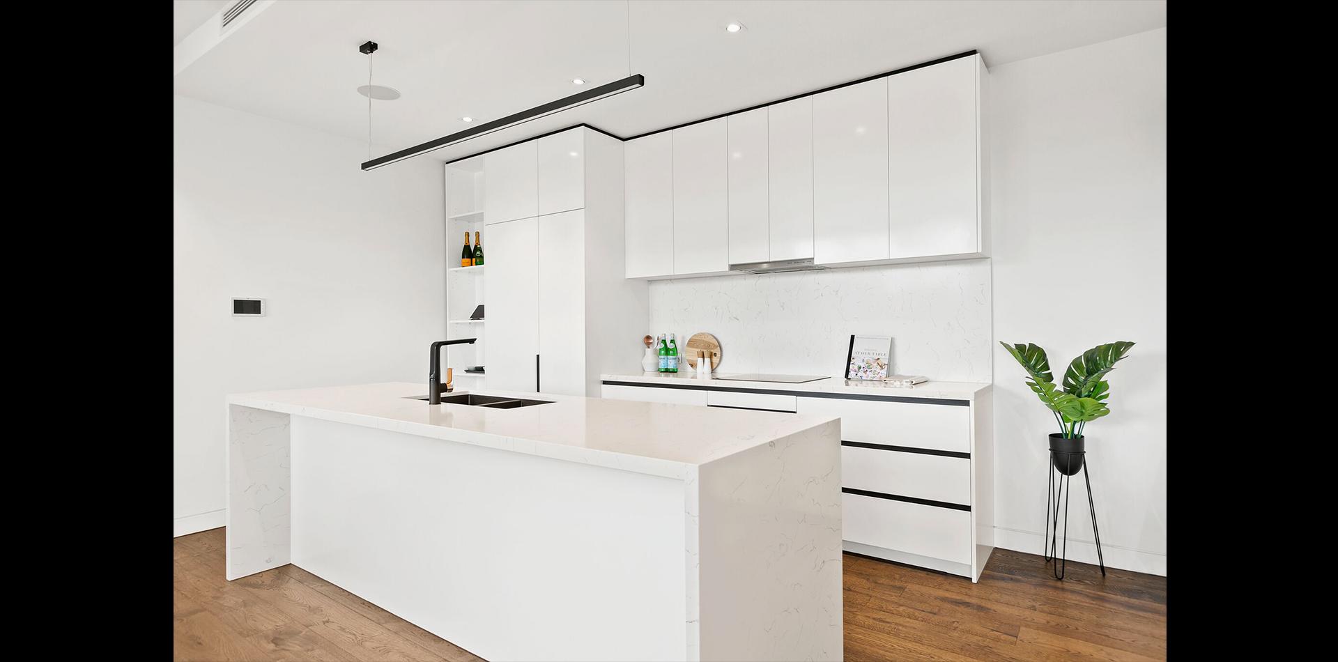 2 Harry St, Hampton East - Kitchen