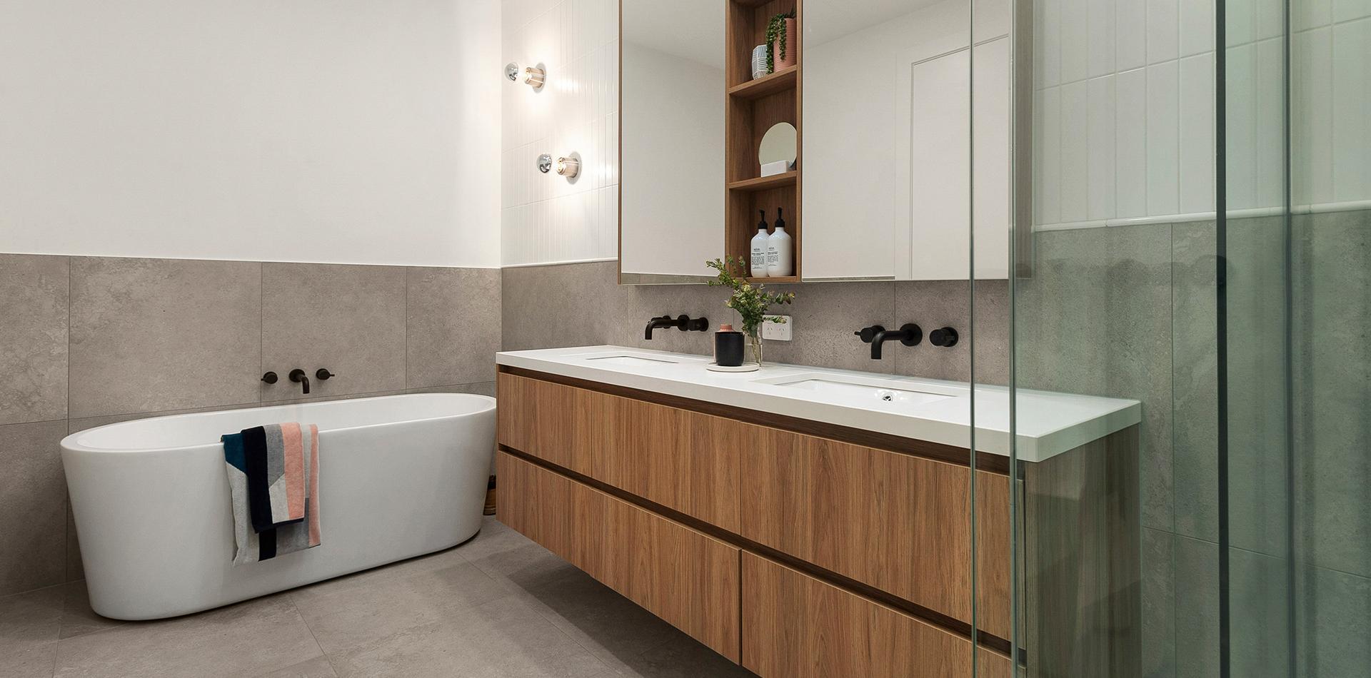 tribrockney_0000_bathroom