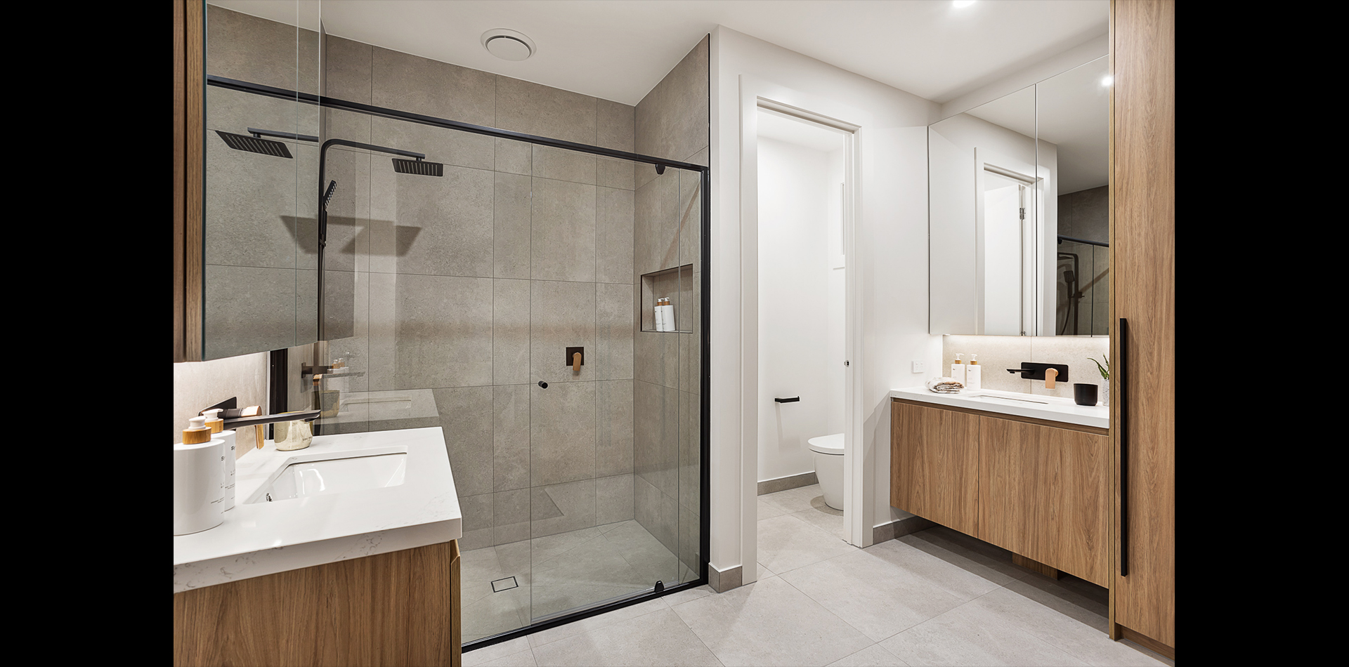 11-stonehaven-cres_0000_bathroom